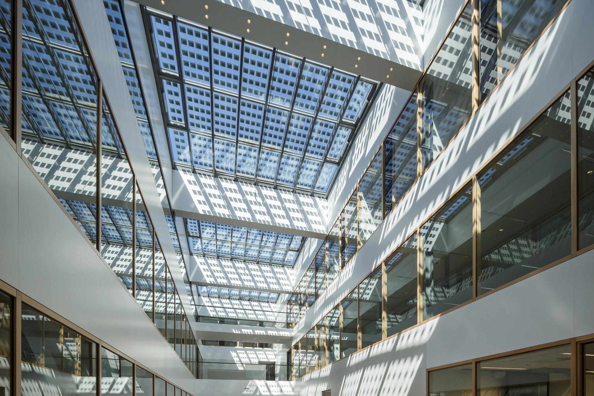 Panel solar transparente 50% para cerrar espacios